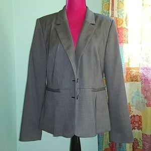 Pleated blazer